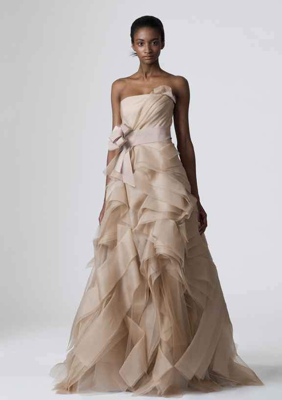 Is Vera Wang Making Plus Size Wedding Gowns Curvy Style