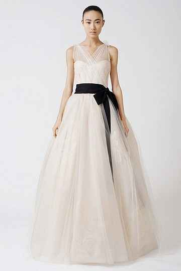 Is Vera Wang Making Plus-size Wedding Gowns? - Down That ...